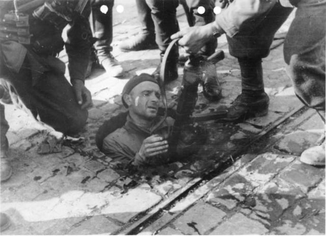 Wyjście z kanału, 1944