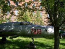 Wiśniowa 56, samolot